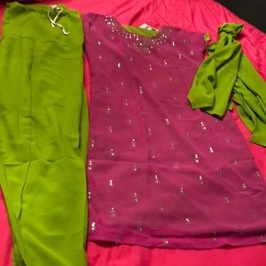 NWT Mansi Indian Shalwar Kameez Set